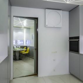 Кухонная мебель с фасадами без ручек