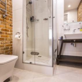 Душевая кабина в ванной холостяка