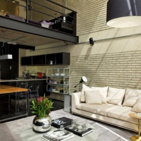 Двухъярусная квартира для холостого мужчины