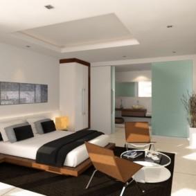 Двухуровневый потолок в городской квартире