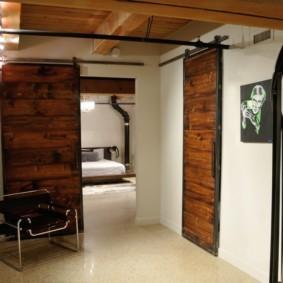 Раздвижные двери в частном доме