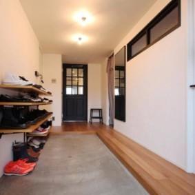 Открытые полки для хранения обуви