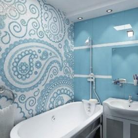 Керамическая мозаика в ванной с унитазом