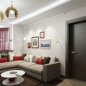 Темно-коричневые двери в общей комнате