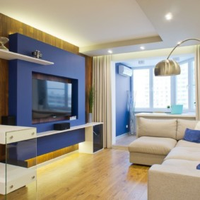 Акценты синего цвета в квартире современного стиля
