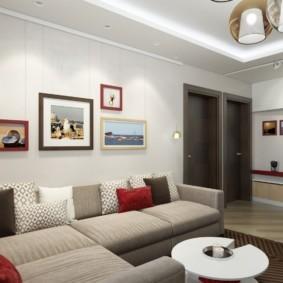 Оформление стены над диваном в современной квартире