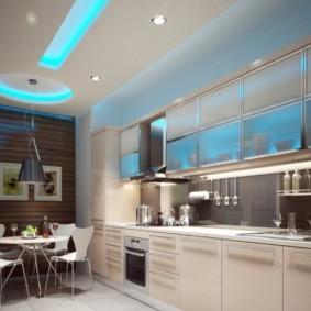 Дизайн освещения в линейной кухне