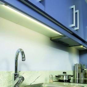 Линейный светильники под кухонными шкафами