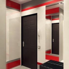 Черная дверь в квартире панельного дома