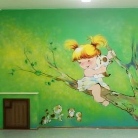 Рисунок на стене детской комнаты для ребенка дошкольного возраста
