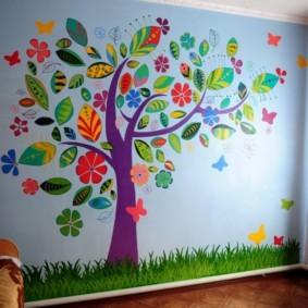 Декор стены детской аппликацией из цветной бумаги