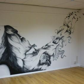 Художественная роспись на стене комнаты