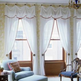 Светлые шторы из белого тюля