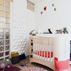 Стеклоблоки в интерьере детской комнаты