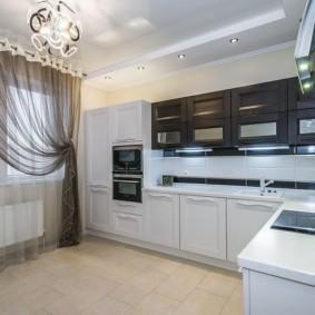 Контрастные фасады кухонного гарнитура