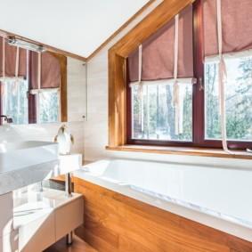 Дизайн ванной с римскими шторами