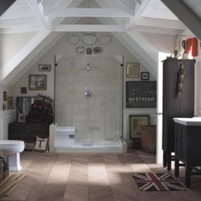 Интерьер санузла в дачном домике