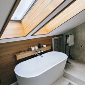 Акриловая ванна белого цвета