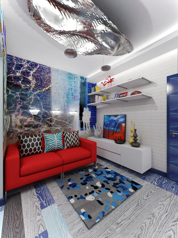 Красный диван в гостиной квартиры