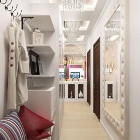 длинный узкий коридор в квартире в белом цвете