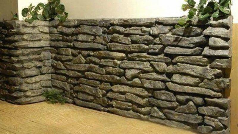 камень в интерьере прихожей