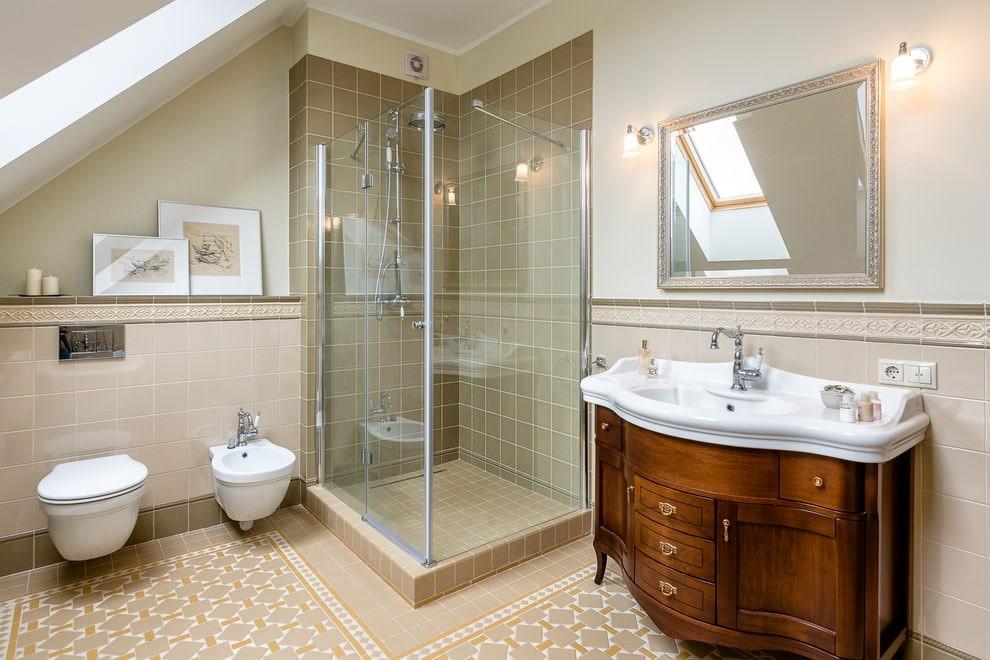 Ванная в мансарде в стиле классика