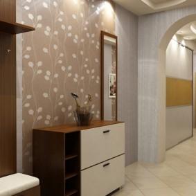 комбинированные обои в коридоре квартиры фото