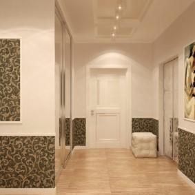 комбинированные обои в коридоре квартиры фото декор