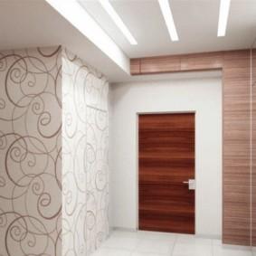 комбинированные обои в коридоре квартиры виды декора