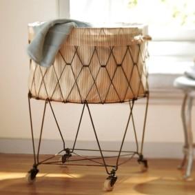 корзина для белья в ванную фото интерьер