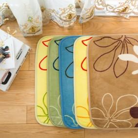 коврики для ванной комнаты декор