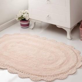 коврики для ванной комнаты фото интерьера