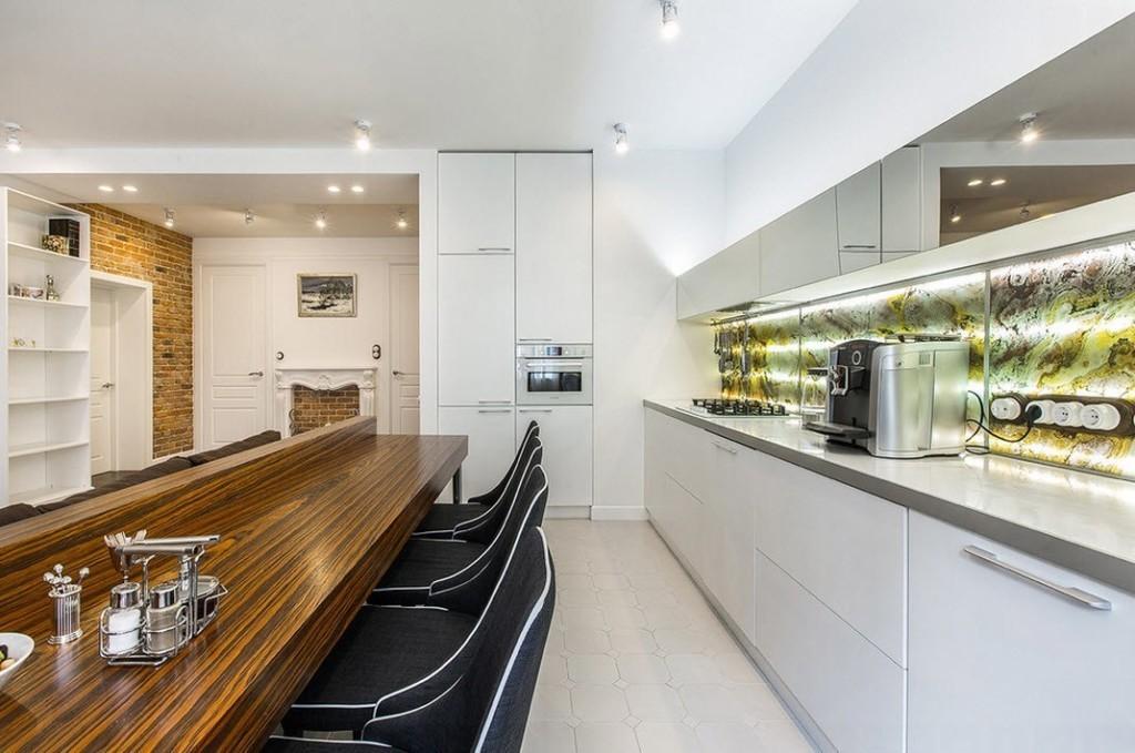 Рабочее пространство кухни в квартире холостяка