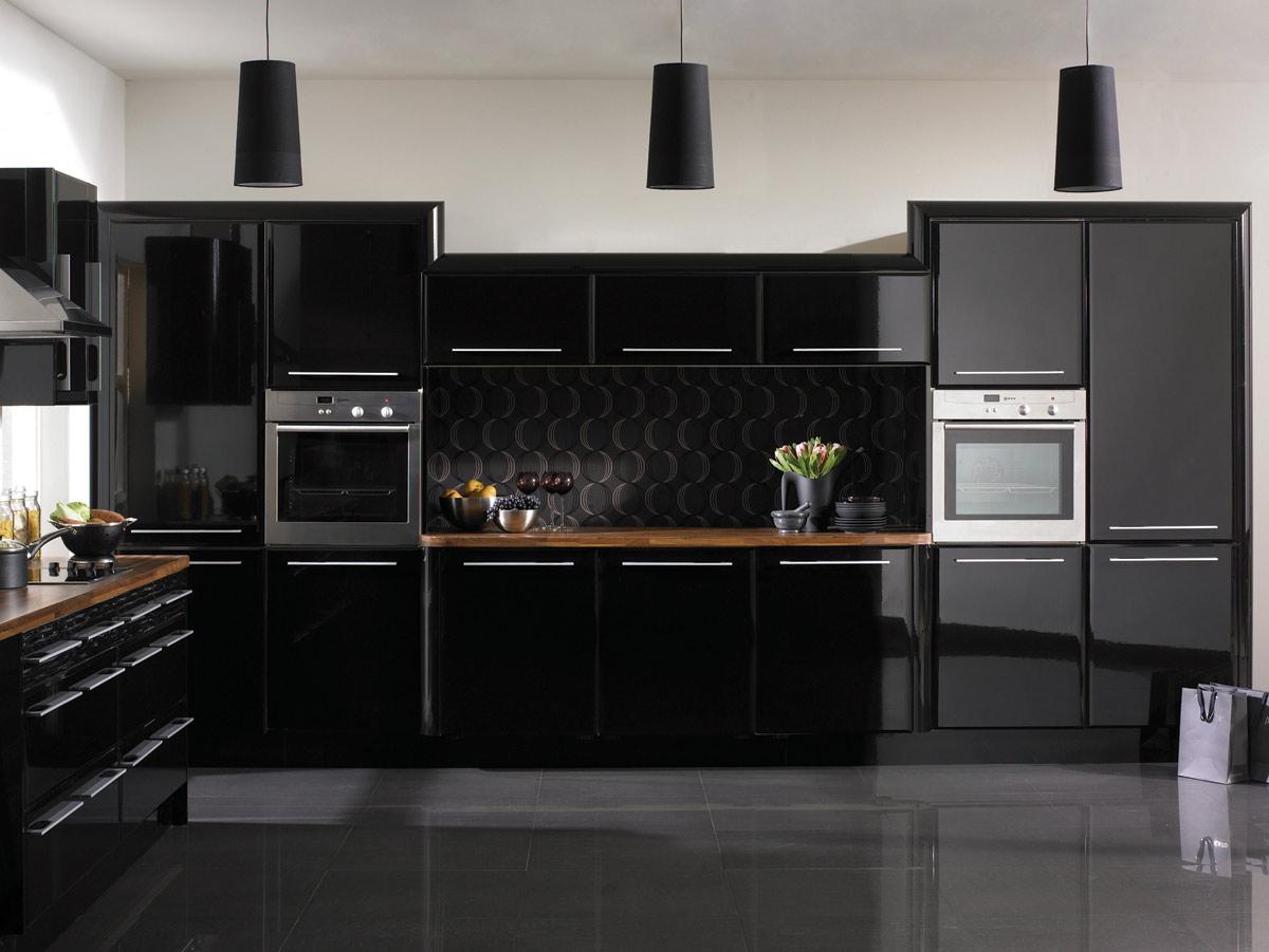 кухня с темным полом идеи дизайна