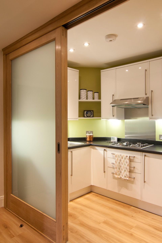 Бывает ли кухня без окна фото