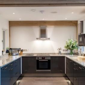 кухня без окон фото видов