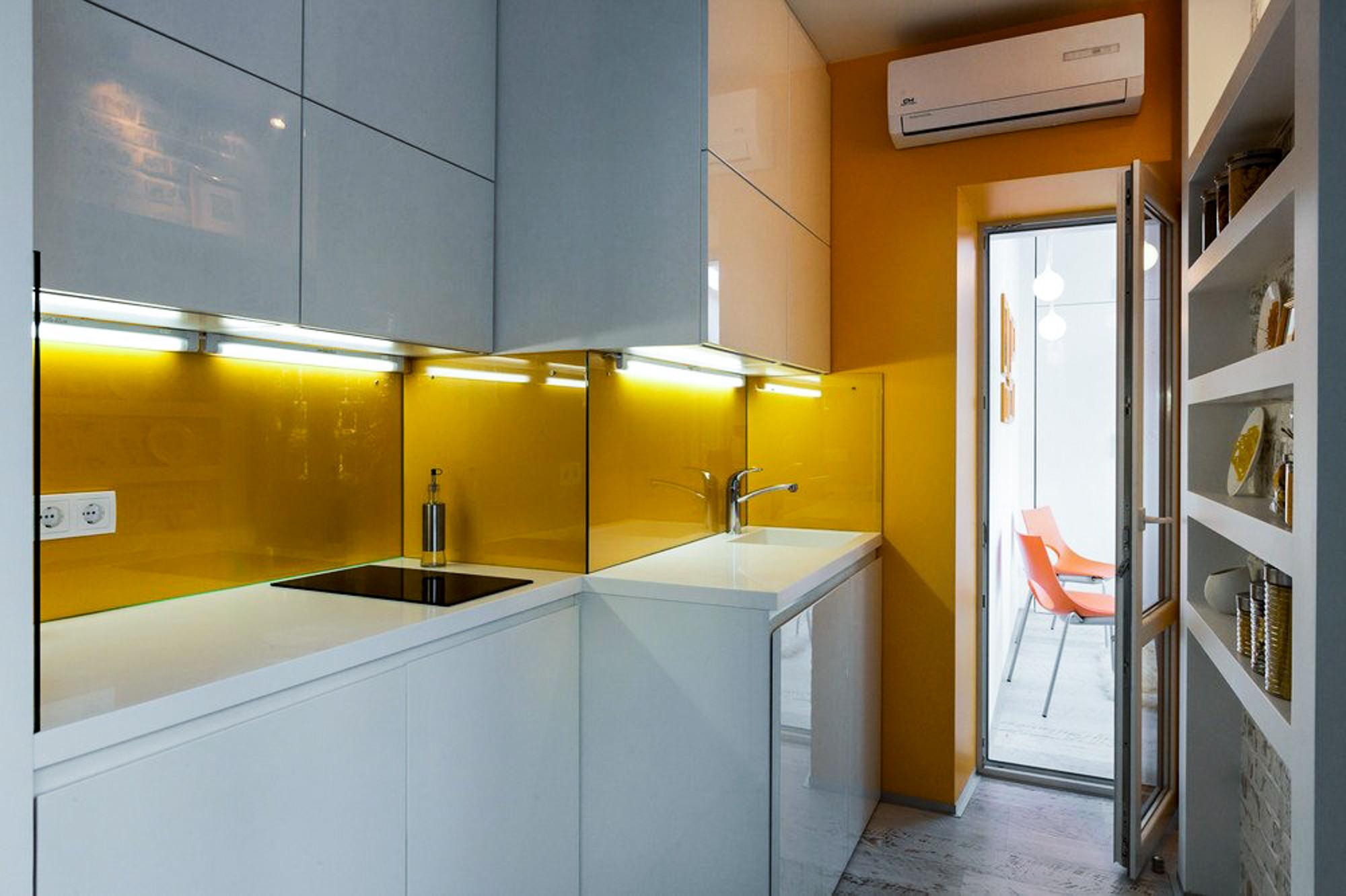 кухня без окон фото