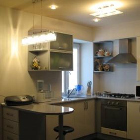 кухня с мойкой у окна идеи фото
