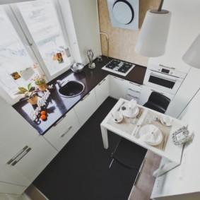 кухня с мойкой у окна варианты идеи