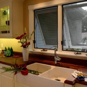 кухня с мойкой у окна идеи виды