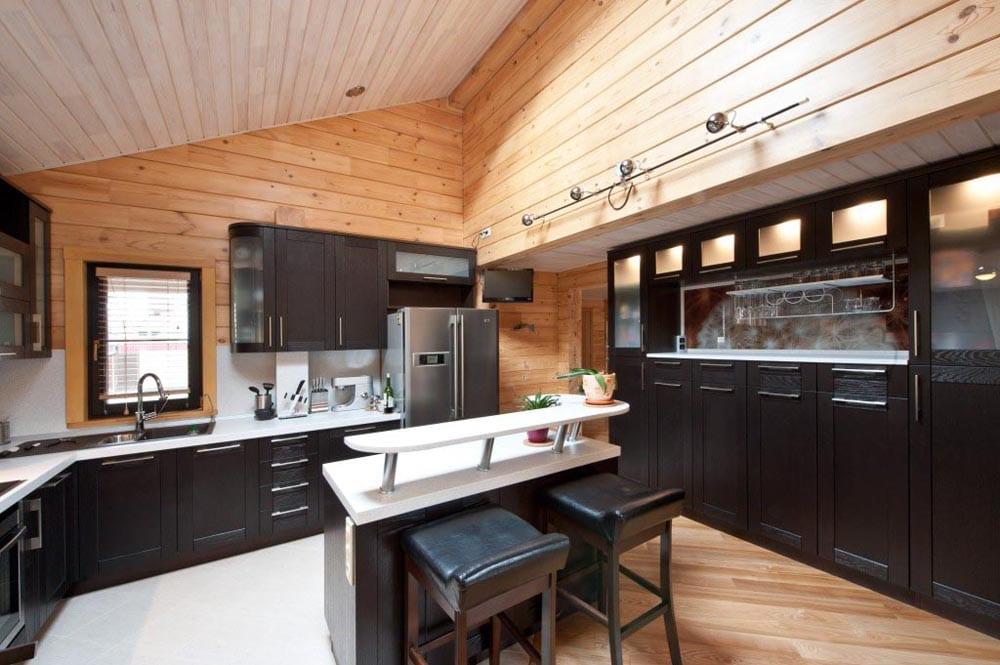 кухня с мойкой у окна варианты