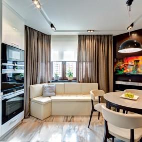 кухня с окном в рабочей зоне дизайн фото