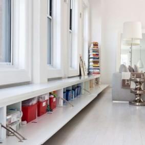 кухня с окном в рабочей зоне интерьер