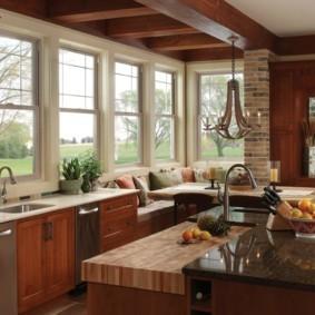 кухня с окном в рабочей зоне фото интерьер