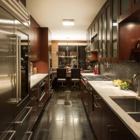 кухня с темным полом варианты