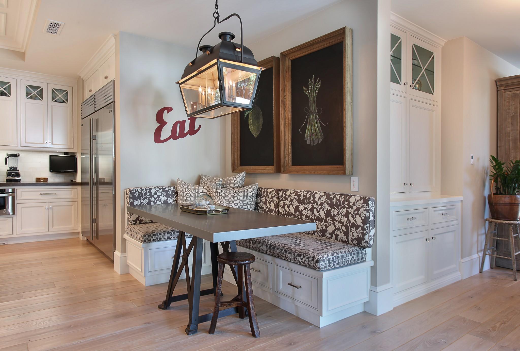 кухонная скамья с ящиками
