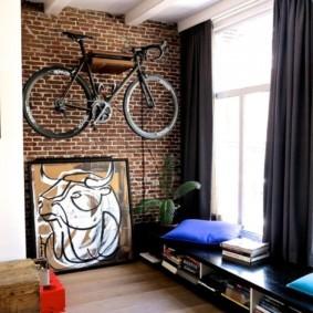 Место для велосипеда в квартире студии