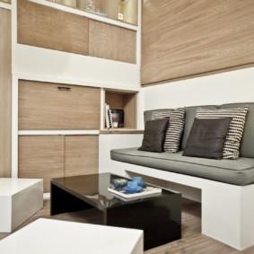 Корпусная мебель в квартире с высокими потолками