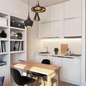Кухонный столик небольшого размера