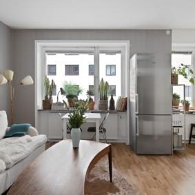 Светло-серые стены в квартире панельного дома